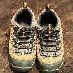 Youth shoes size 1